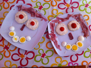 MR & MRS EGGS